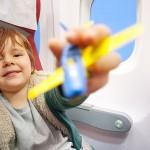 Vliegen met kinderen: handige tips voor de eerste keer