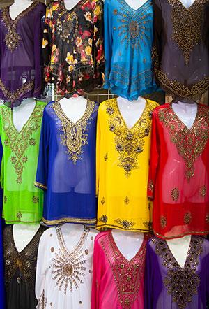 Winkelen in Dubai: textile souk
