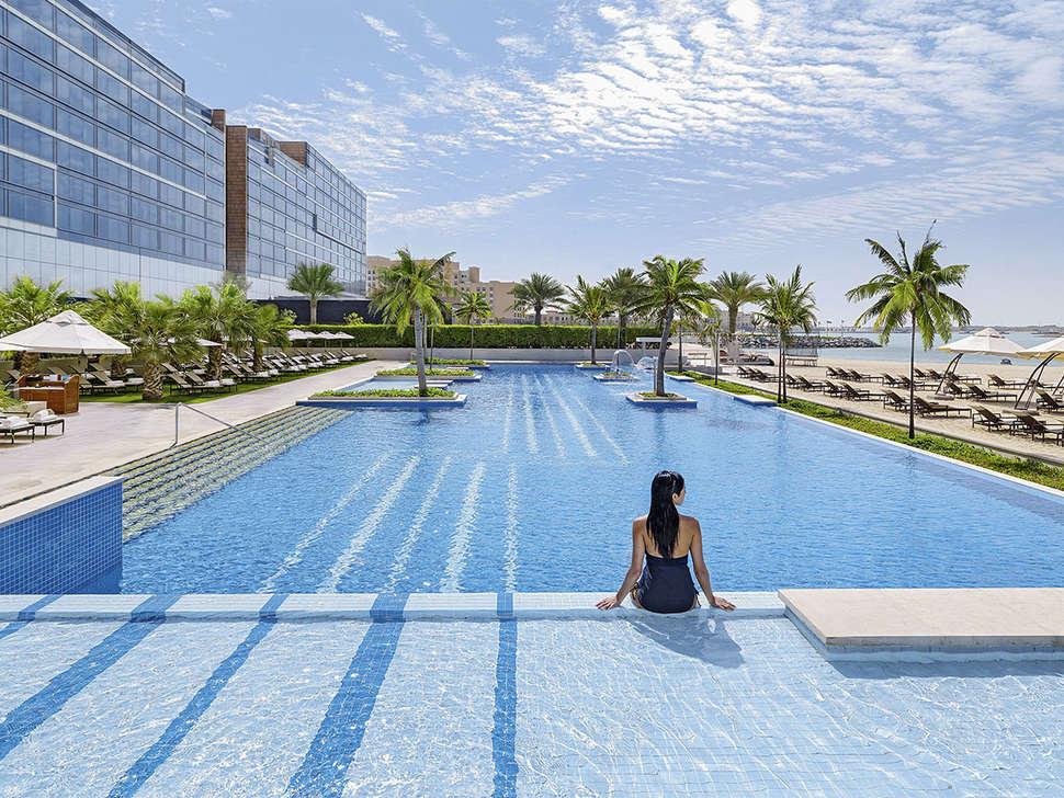 Bezienswaardigheden Abu Dhabi, Fairmont Bab Al Bahr