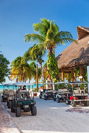 eilanden van Mexico: Isla de Mujeres, golfkarretjes
