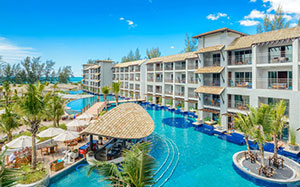 Luxe hotels Thailand: Mai Khaolak Beach Resort & Spa