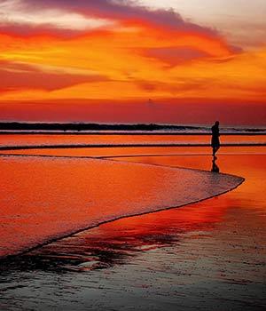 Doen op Bali: zonsondergang La Plancha