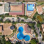 Doen op Menorca: Cala'n Bosch, Hotel Zafiro Menorca
