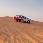 Skip de eindeloze wolkenkrabbers, ga op jeepsafari in Dubai