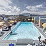 Mooiste steden op Spaanse eilanden, Bull Hotel Reina Isabel