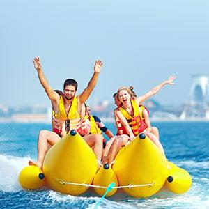Jongerenvakantie Sunny Beach, bananenboot