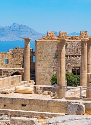 Lindos, witte stadje in Rhodos; Akropolis