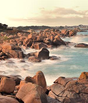 Bezienswaardigheden Bretagne, roze granietrotsen