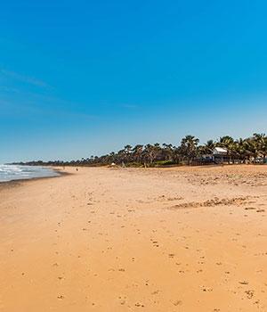 Kaapverdië vs Gambia, strand Gambia