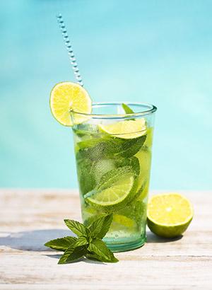 Lekkerste cocktails om in vakantiestemming te komen: Mojito