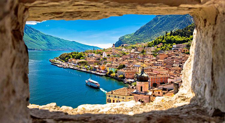 Citroenstadje Limone sul Garda, Gardameer (italië)