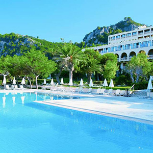 Mooiste stranden Corfu: Glyfada, Lti Louis Grand Hotel