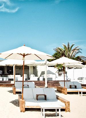 Doen op Ibiza: beachclubs