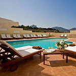 Bezienswaardigheden Karpathos: Karpathos-Stad, Astron Princess Hotel