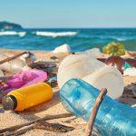 5 snelle tips om plastic overlast op vakantiebestemmingen te beperken