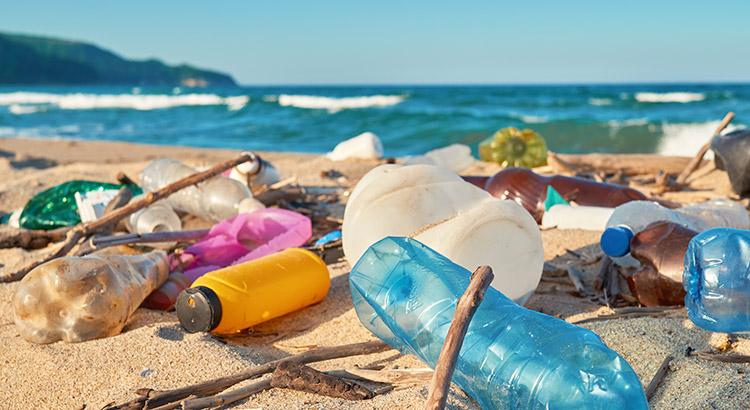 Plastic overlast op vakantie beperken