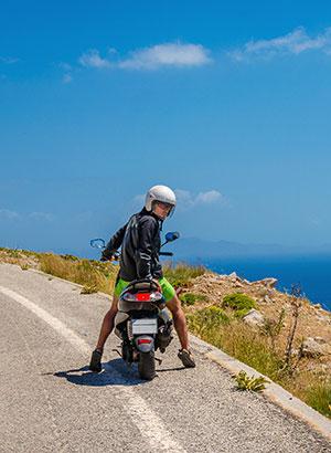 Doen op Corfu: scooter huren