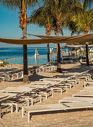 mooiste stranden Curaçao: Papagayo Beach Hotel