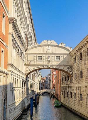 Bezienswaardigheden Venetië: Brug der Zuchten