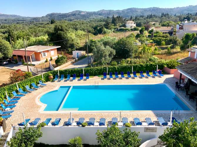 Bruskos Hotel Agios Georgios
