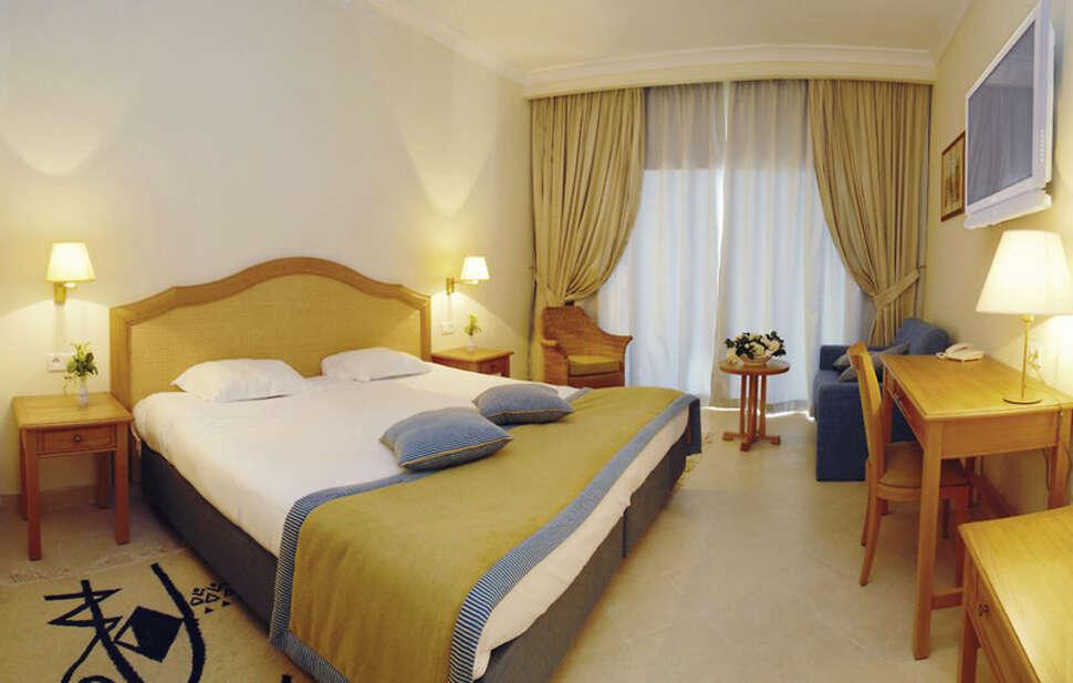 Mövenpick Resort & Marine