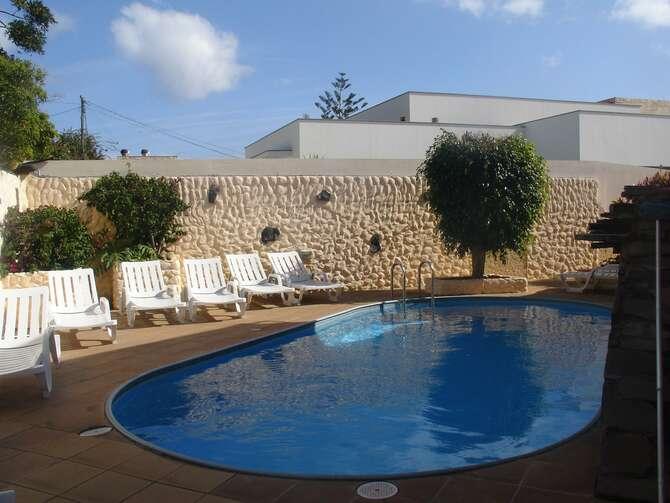 Inn & Art Hotel Canico
