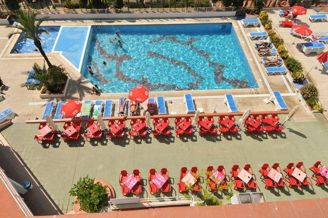 Aparthotel xon 39 s playa in empuriabrava d vakantiediscounter for Appart hotel xon s playa empuriabrava