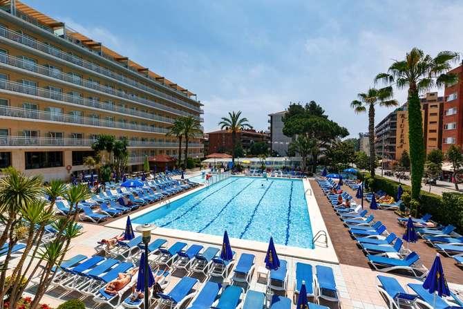 Hotel Oasis Park Lloret de Mar