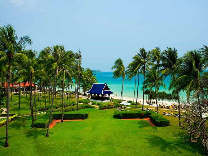 Centara Grand Beach Resort Samui Chaweng Beach