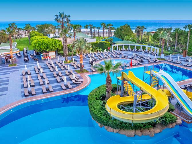 Aska Washington Resort & Spa Side