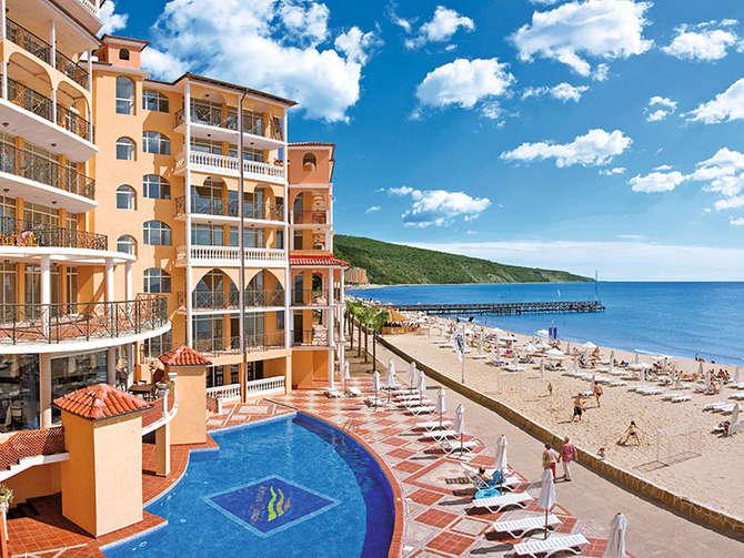 Atrium Beach Hotel & Residence Elenite