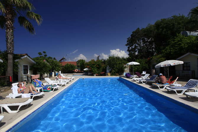 Leda Beach Hotel Side