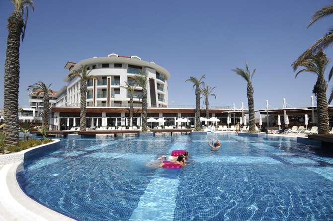 Sunis Evren Beach Resort & Spa Side