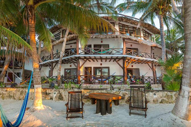 Beachfront Hotel La Palapa Holbox