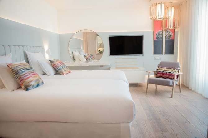 Croisette Beach Hotel Cannes