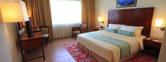 Hulhule Island Hotel Vihamanaafushi