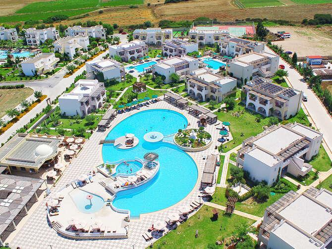 Gaia Palace Marmári
