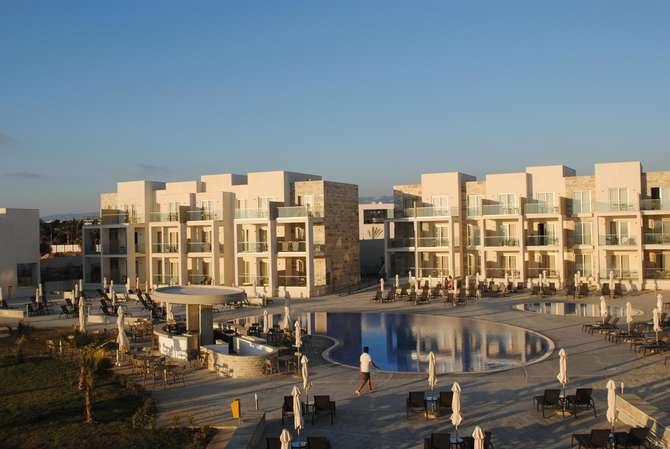 Amphore Hotel & Suites Paphos