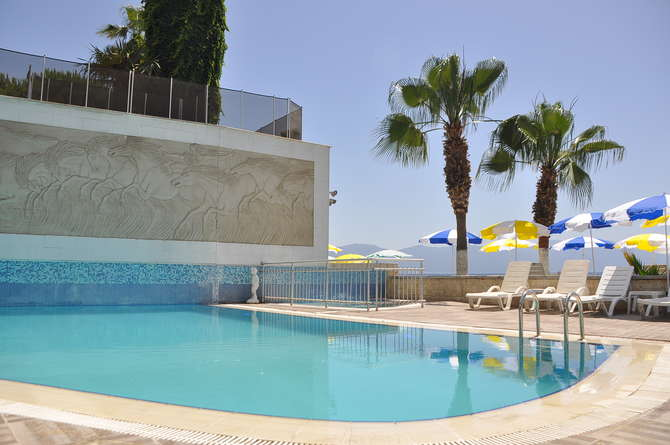 Coast Light Hotel Kusadasi