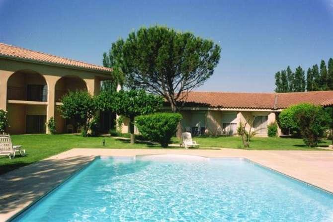 Best Western Hotel Paradou Saint-Saturnin-lès-Avignon
