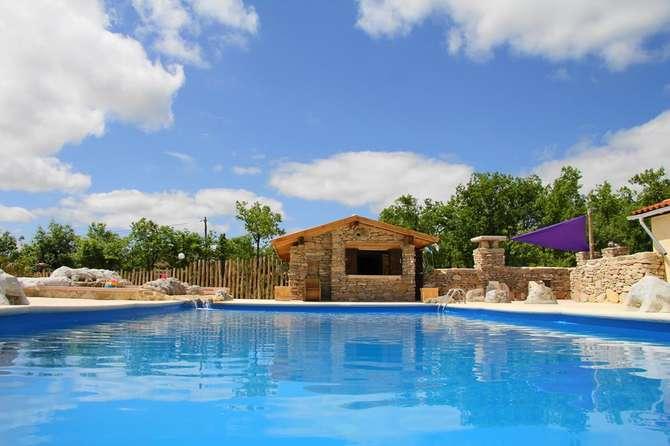 Lodge Holidays Saint-Antonin-Noble-Val
