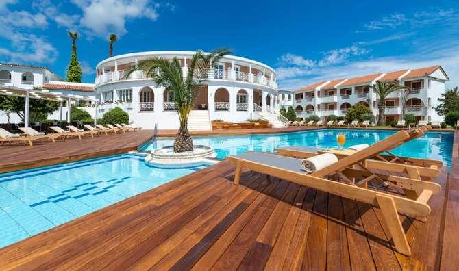 Bitzaro Palace Hotel Kalamaki