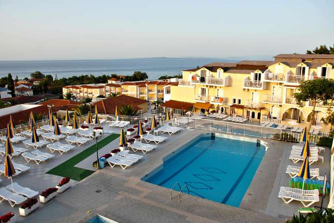 Captains Hotel Argassi