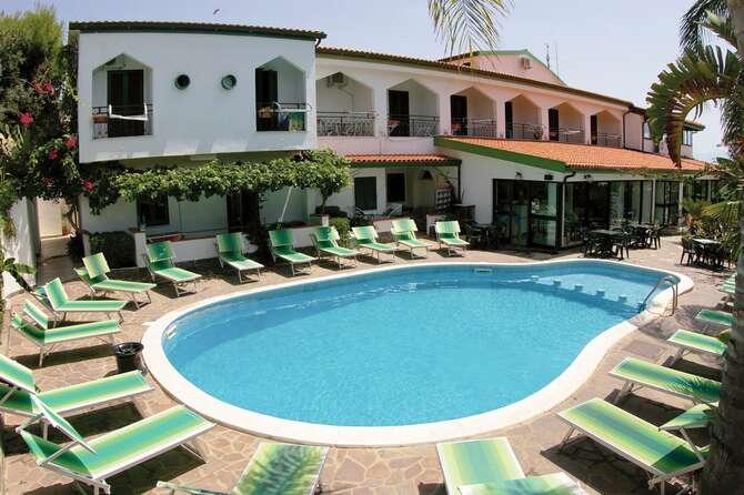 Hotel Marinella Ricadi