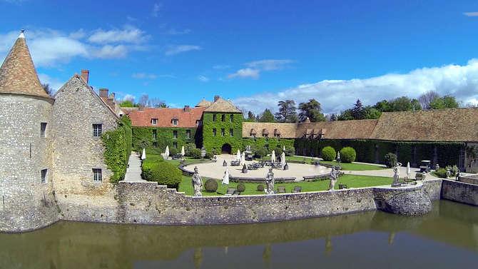 Chateau de Villiers-le-Mahieu Villiers-le-Mahieu