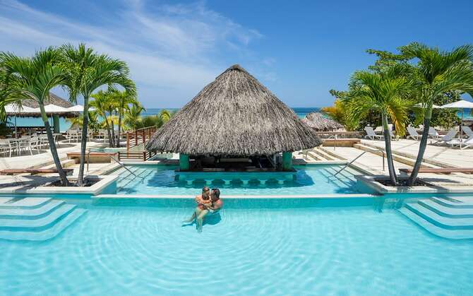 Hotel Couples Swept Away Negril