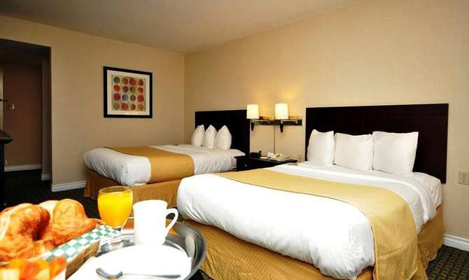 Quality Inn Airport West Mississauga