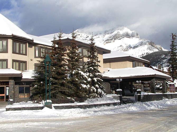 Elk & Avenue Banff