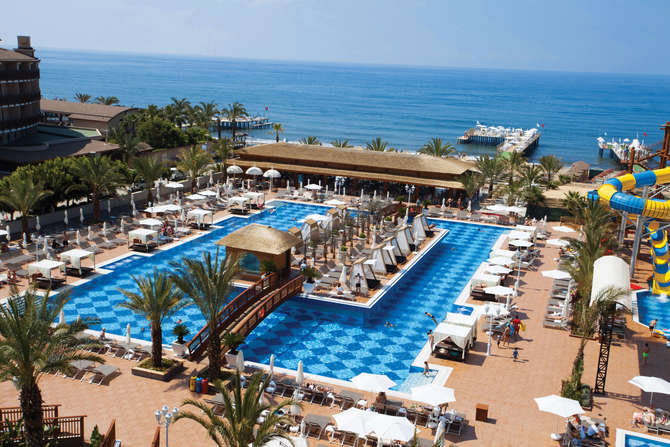 Quattro Beach Spa & Resort Alanya