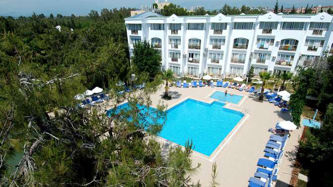 Maya Golf Hotel Side